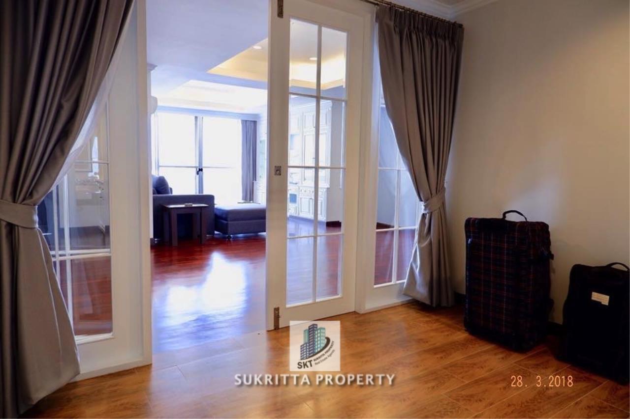 Sukritta Property Agency's Newton Tower Near BTS Nana 8