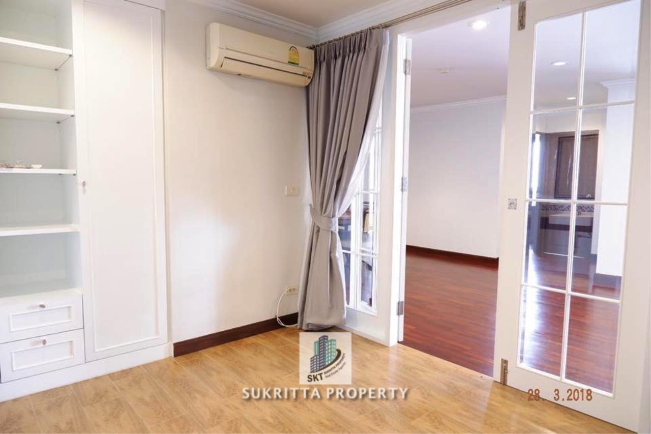 Sukritta Property Agency's Newton Tower Near BTS Nana 9