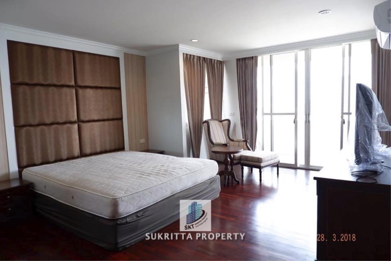 Sukritta Property Agency's Newton Tower Near BTS Nana 14