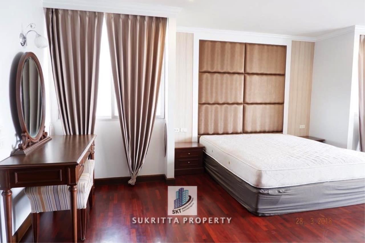 Sukritta Property Agency's Newton Tower Near BTS Nana 15