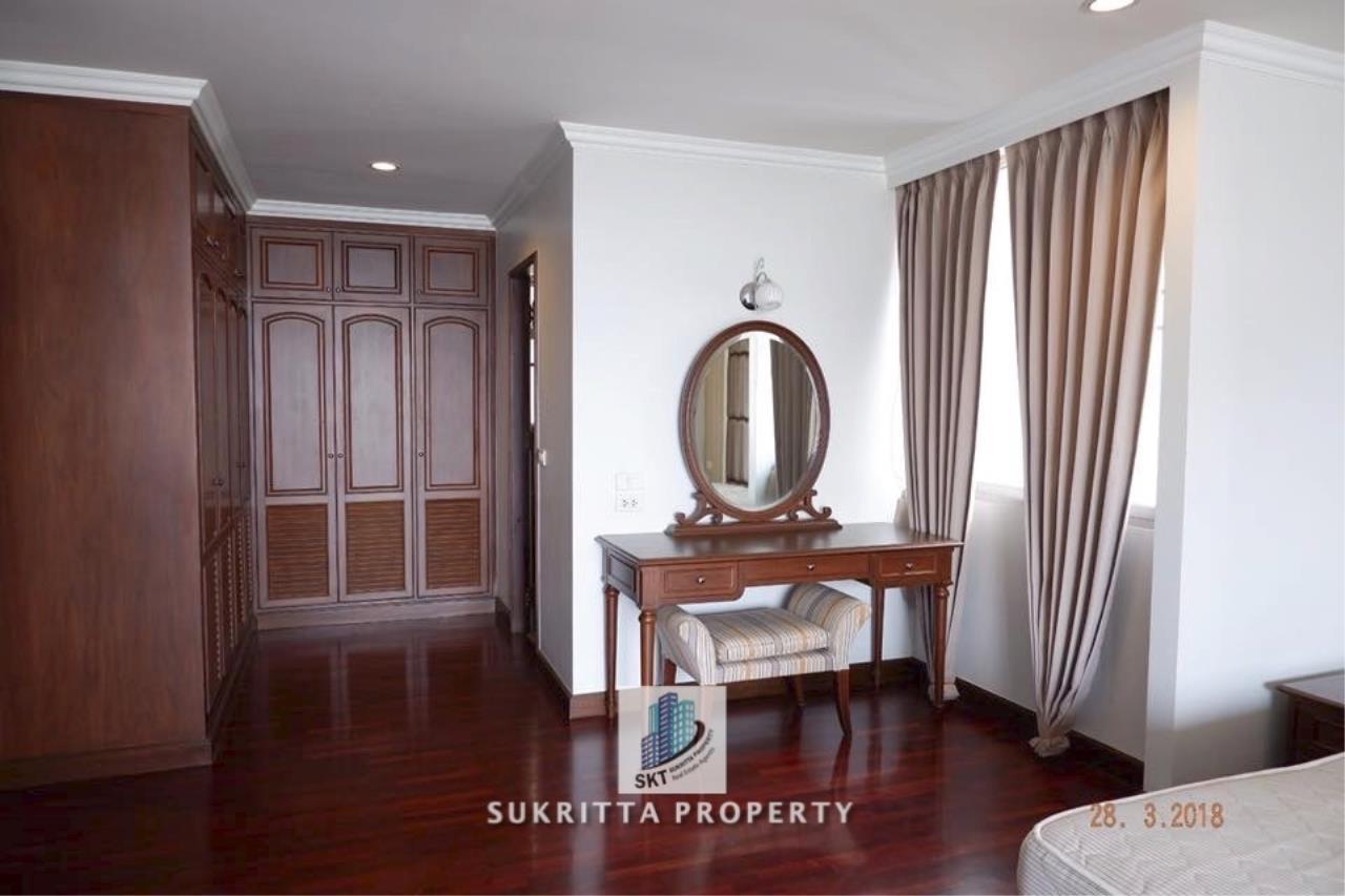 Sukritta Property Agency's Newton Tower Near BTS Nana 16