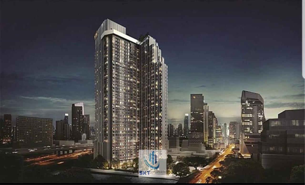 Sukritta Property Agency's Life one wireless Near BTS Phloen Chit 1