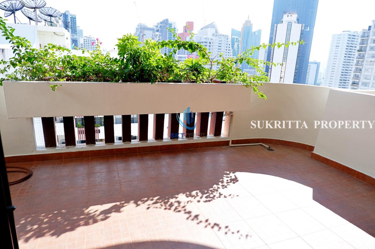 Sukritta Property Agency's Hawaii Tower On Sukhumvit 23 Near Bts Phompong 4