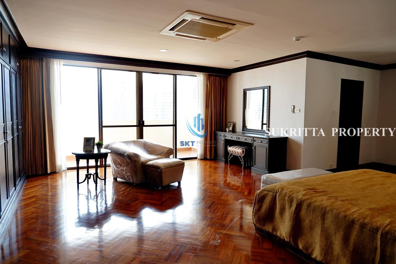 Sukritta Property Agency's Hawaii Tower On Sukhumvit 23 Near Bts Phompong 9
