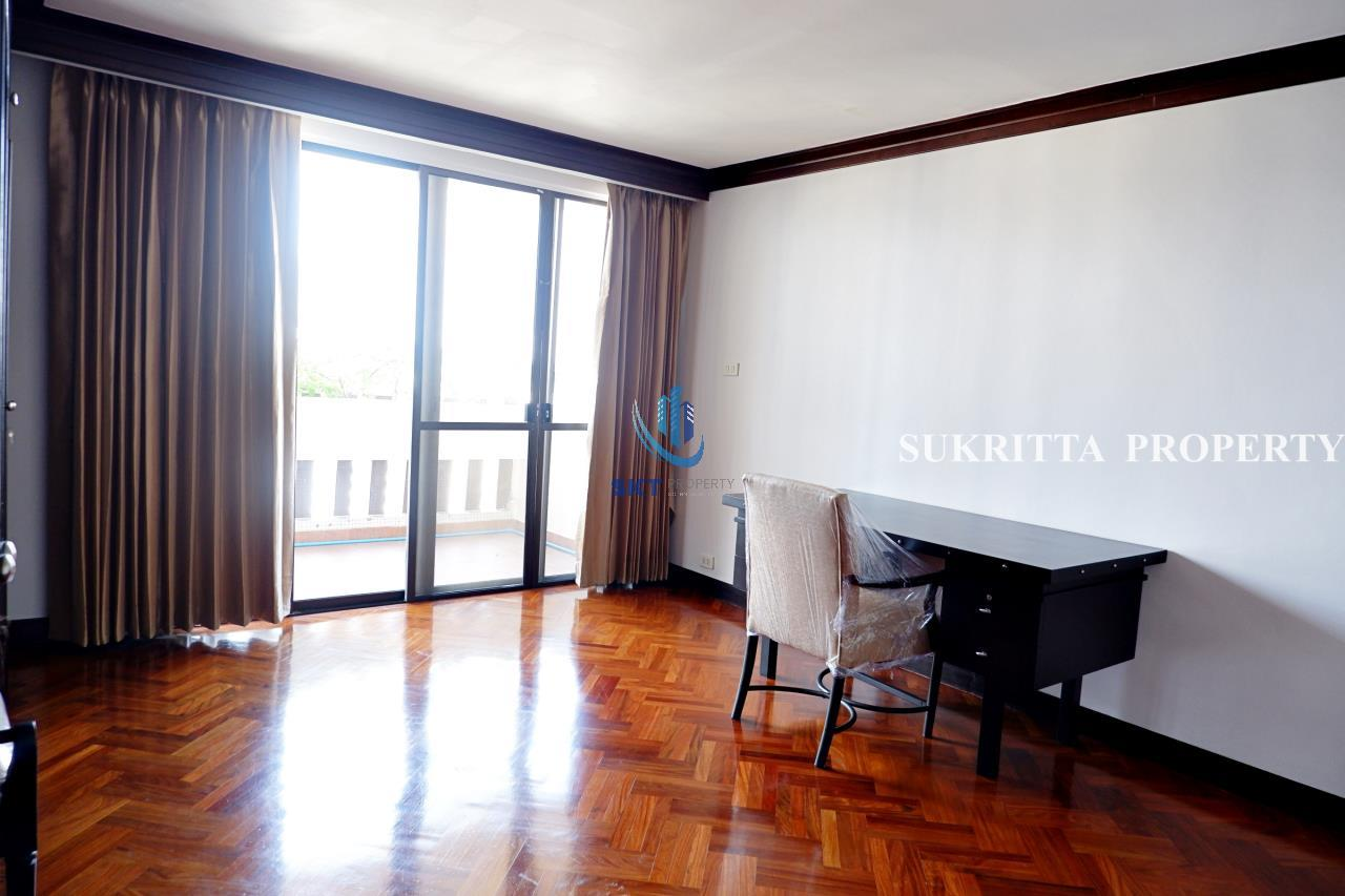 Sukritta Property Agency's Hawaii Tower On Sukhumvit 23 Near Bts Phompong 10