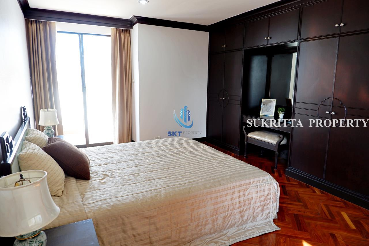 Sukritta Property Agency's Hawaii Tower On Sukhumvit 23 Near Bts Phompong 13