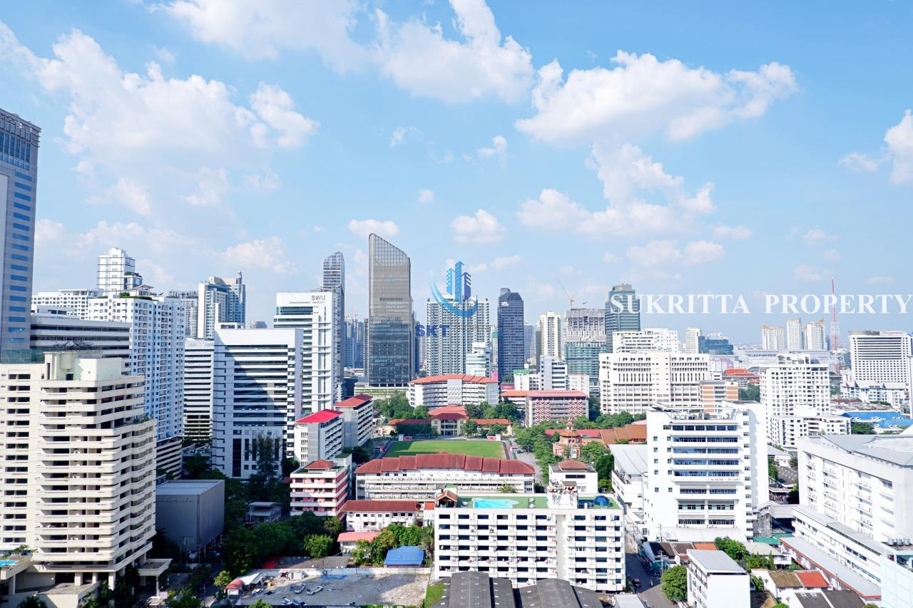 Sukritta Property Agency's Hawaii Tower On Sukhumvit 23 Near Bts Phompong 5