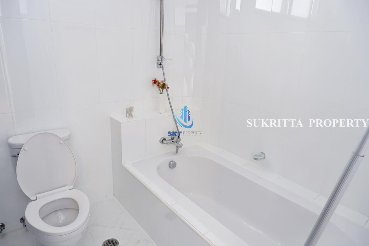 Sukritta Property Agency's Hawaii Tower On Sukhumvit 23 Near Bts Phompong 14