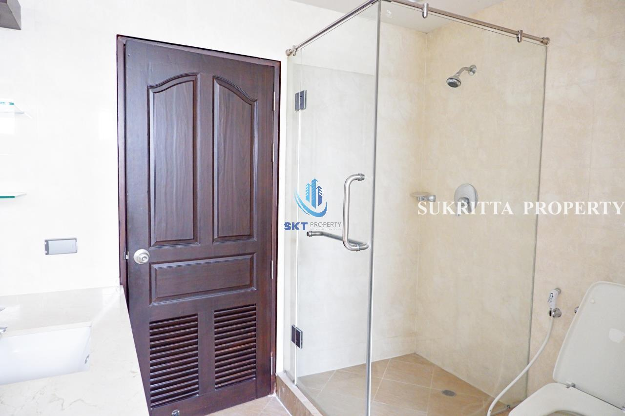 Sukritta Property Agency's Hawaii Tower On Sukhumvit 23 Near Bts Phompong 12