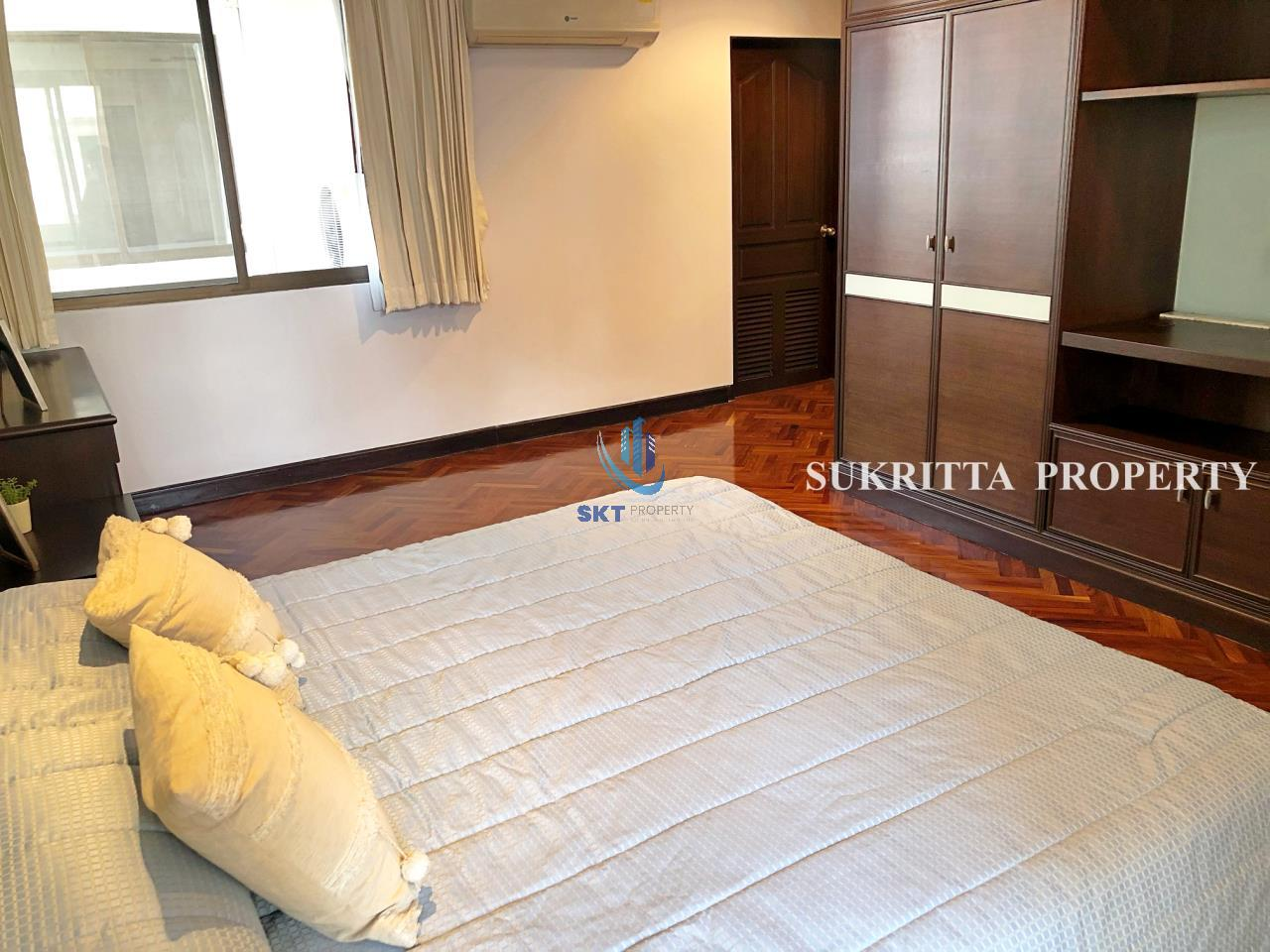 Sukritta Property Agency's Hawaii Tower On Sukhumvit 23 Near Bts Phompong 11