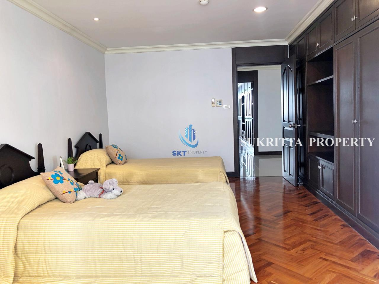 Sukritta Property Agency's Hawaii Tower On Sukhumvit 23 Near Bts Phompong 7