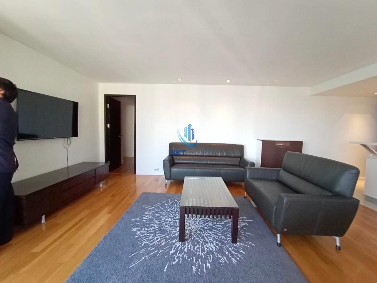 Sukritta Property Agency's Lake Avenue (BTS Asoke) Sukhumvit 16 1