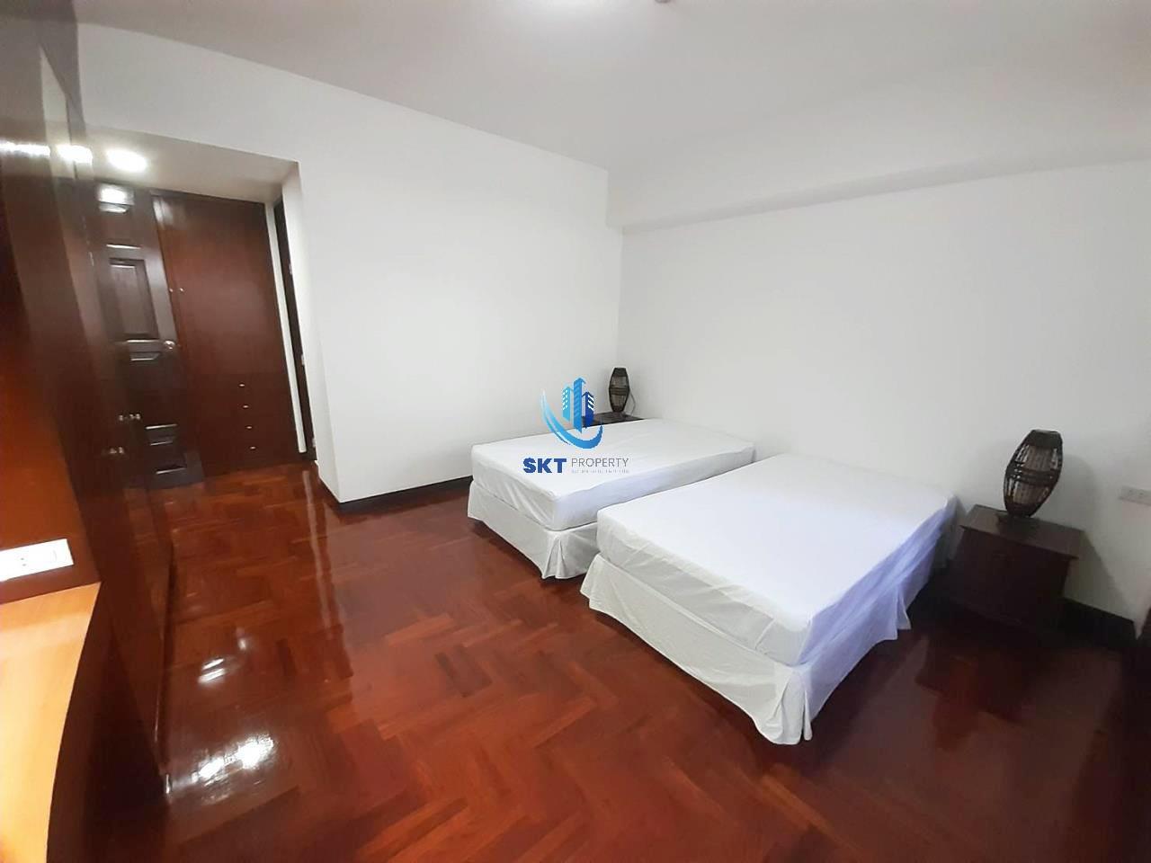 Sukritta Property Agency's Kanta mansion sukhumvit 26 - Bts Prompong 5