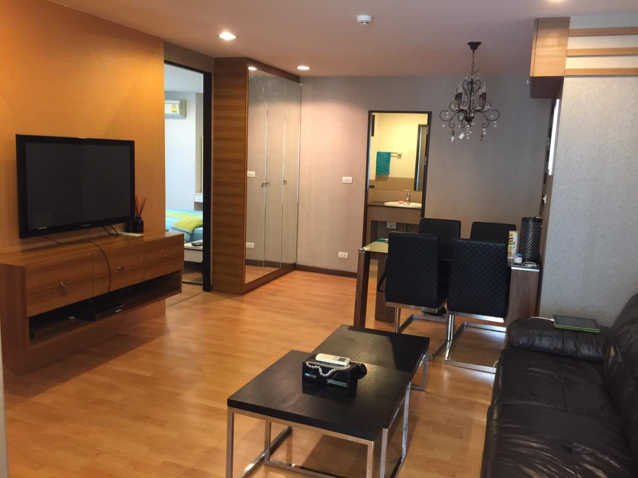 In Bangkok Condo Agency's Phrom Phong BTS  2 bed well furnished open view walking distance to Emquartier   2