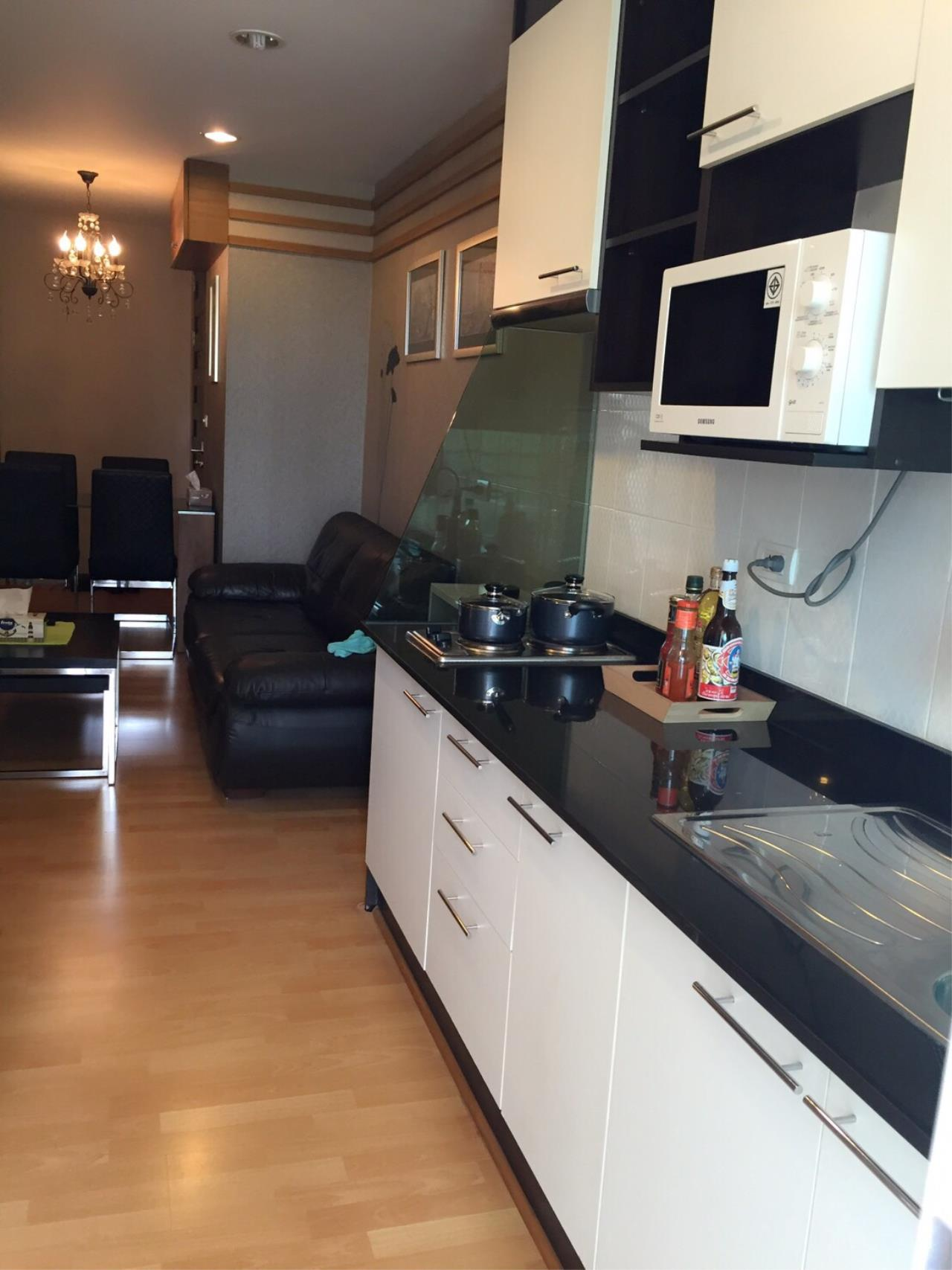 In Bangkok Condo Agency's Phrom Phong BTS  2 bed well furnished open view walking distance to Emquartier   3
