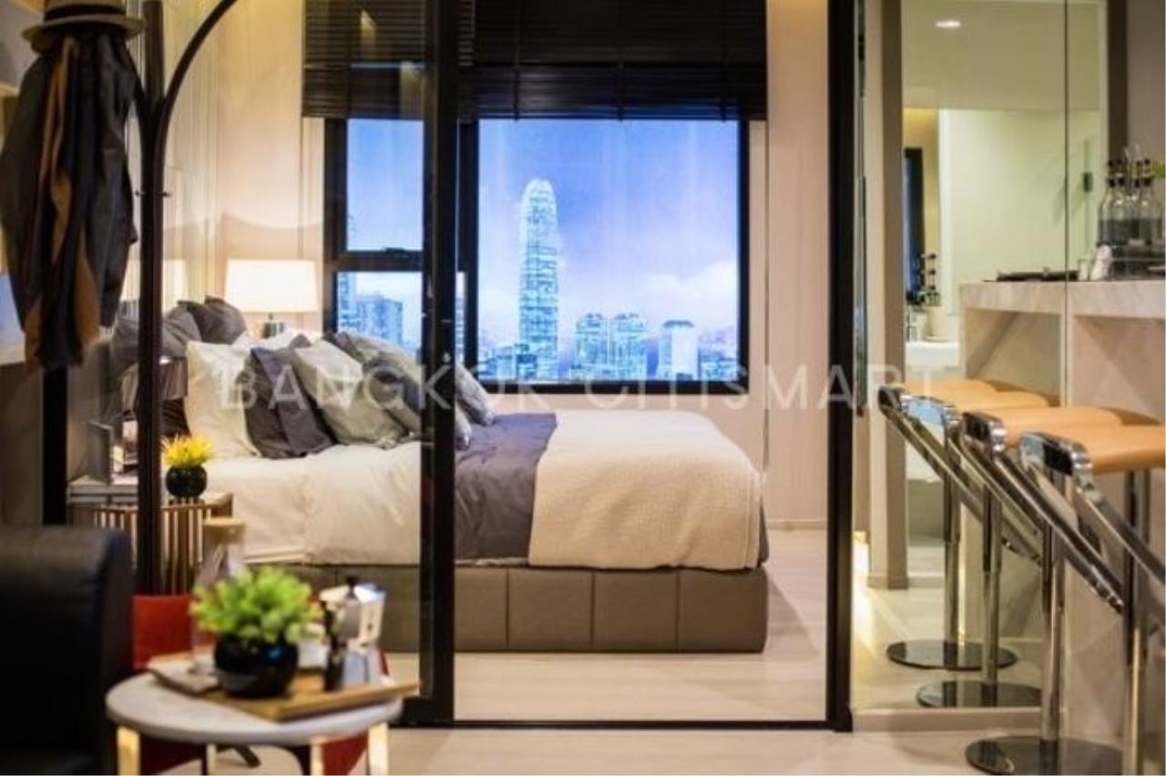 In Bangkok Condo Agency's Life Asoke off plan completed soon.  hard to find corner unit 4