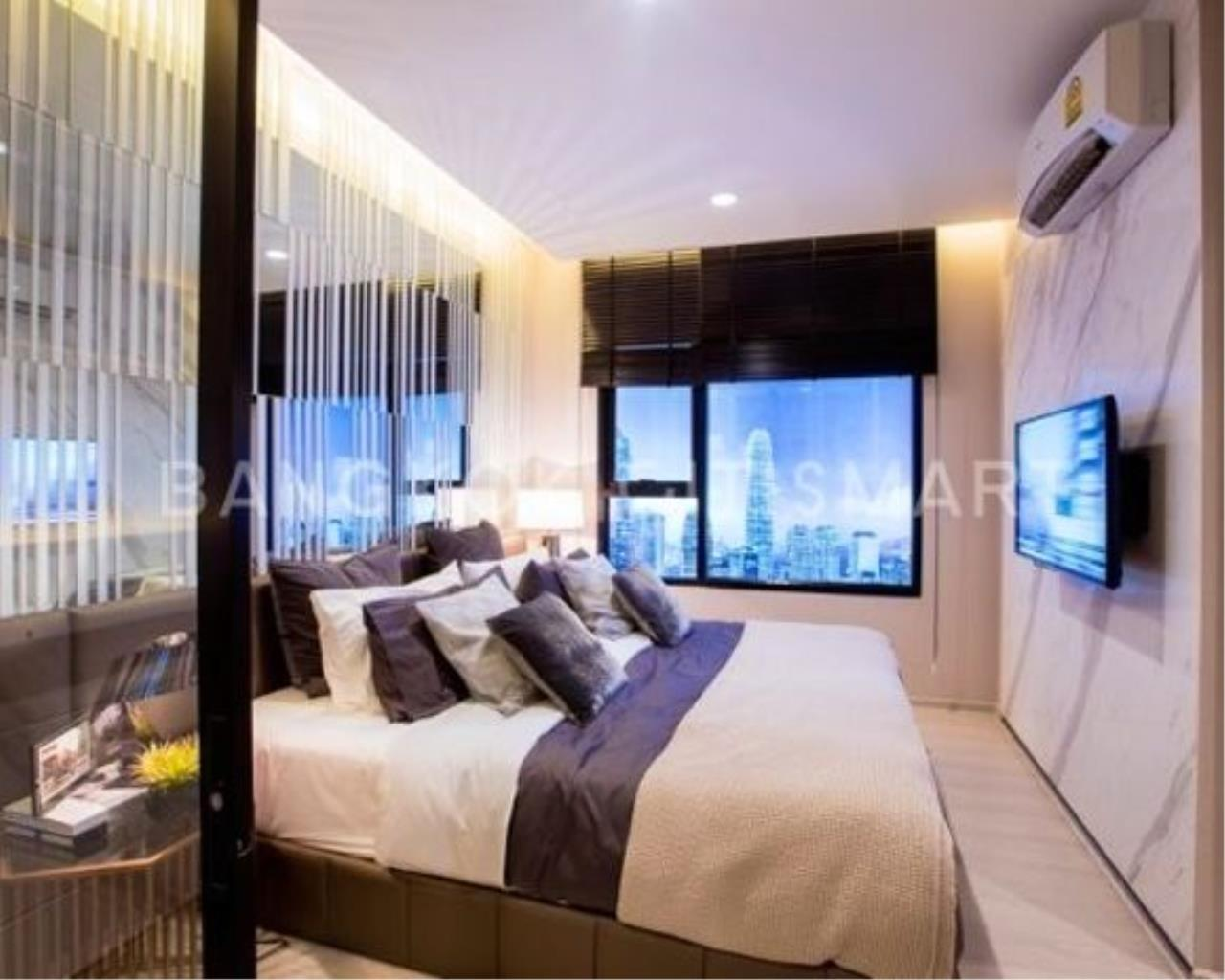 In Bangkok Condo Agency's Life Asoke off plan completed soon.  hard to find corner unit 3