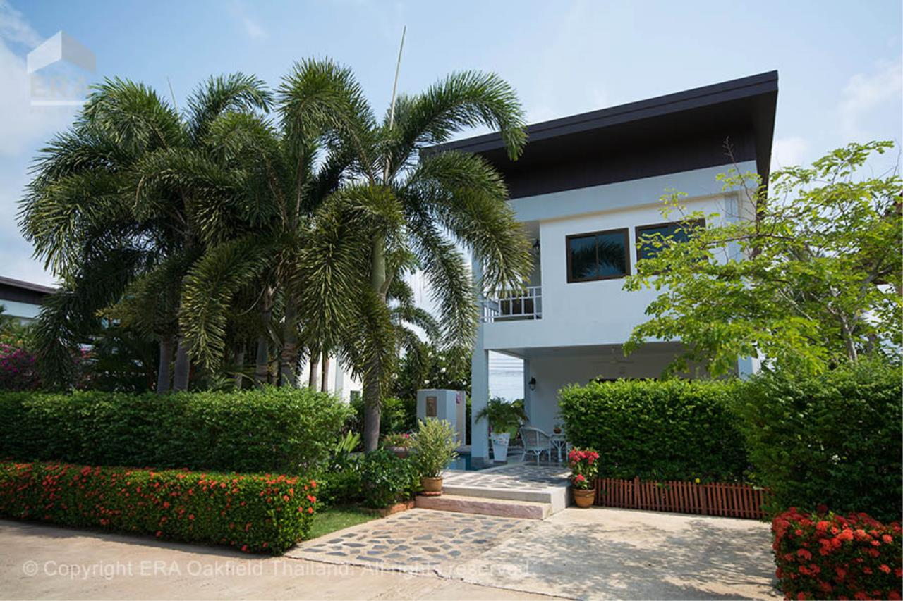 ERA Rayong Agency's Modern home with private swimming pool in a fantastic development 2