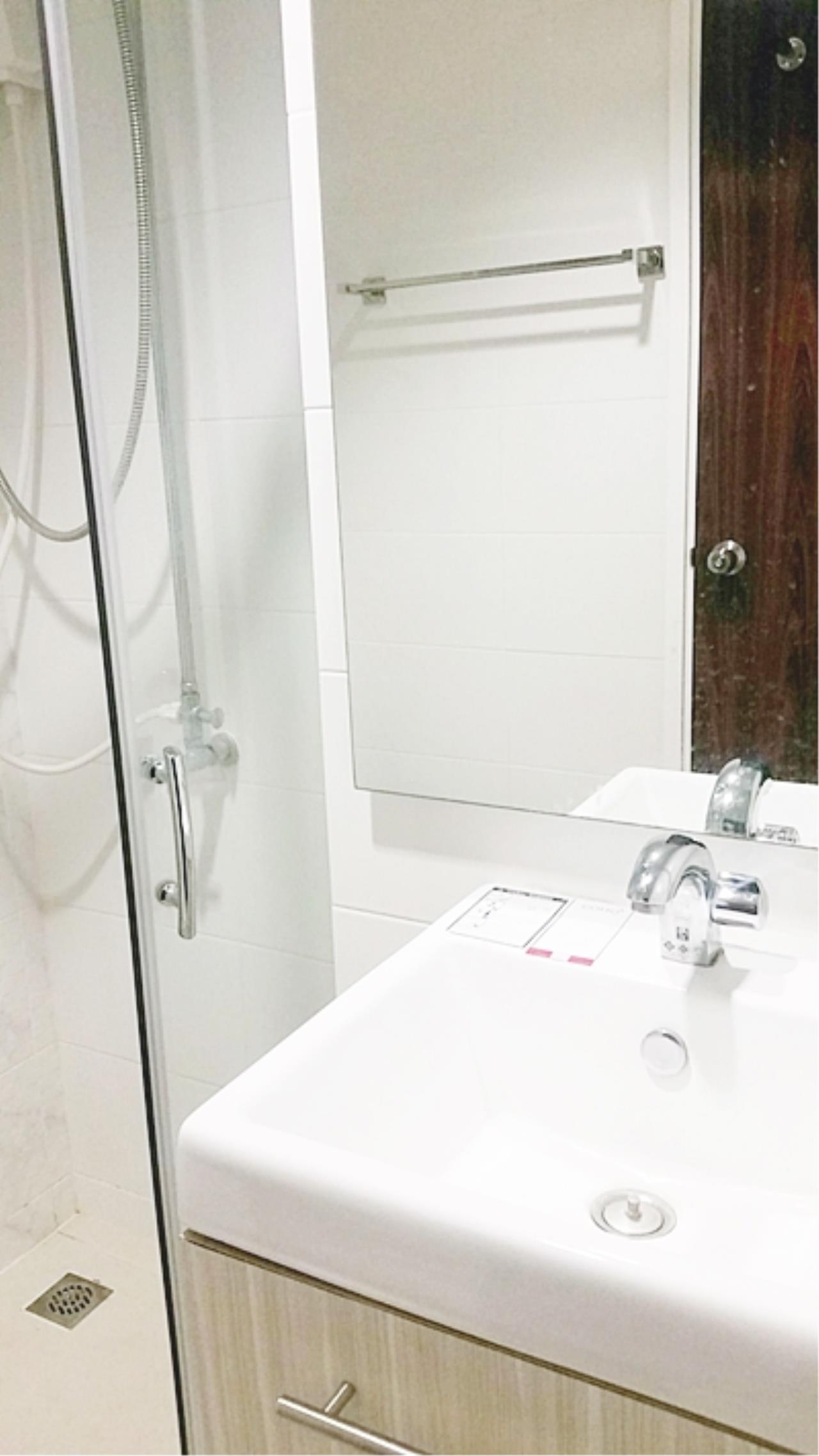 Estate Corner Agency (Samut Prakan) Agency's Sale with Tenant Condo Bearing from BTS only 600 meters. Fully furnished. 14