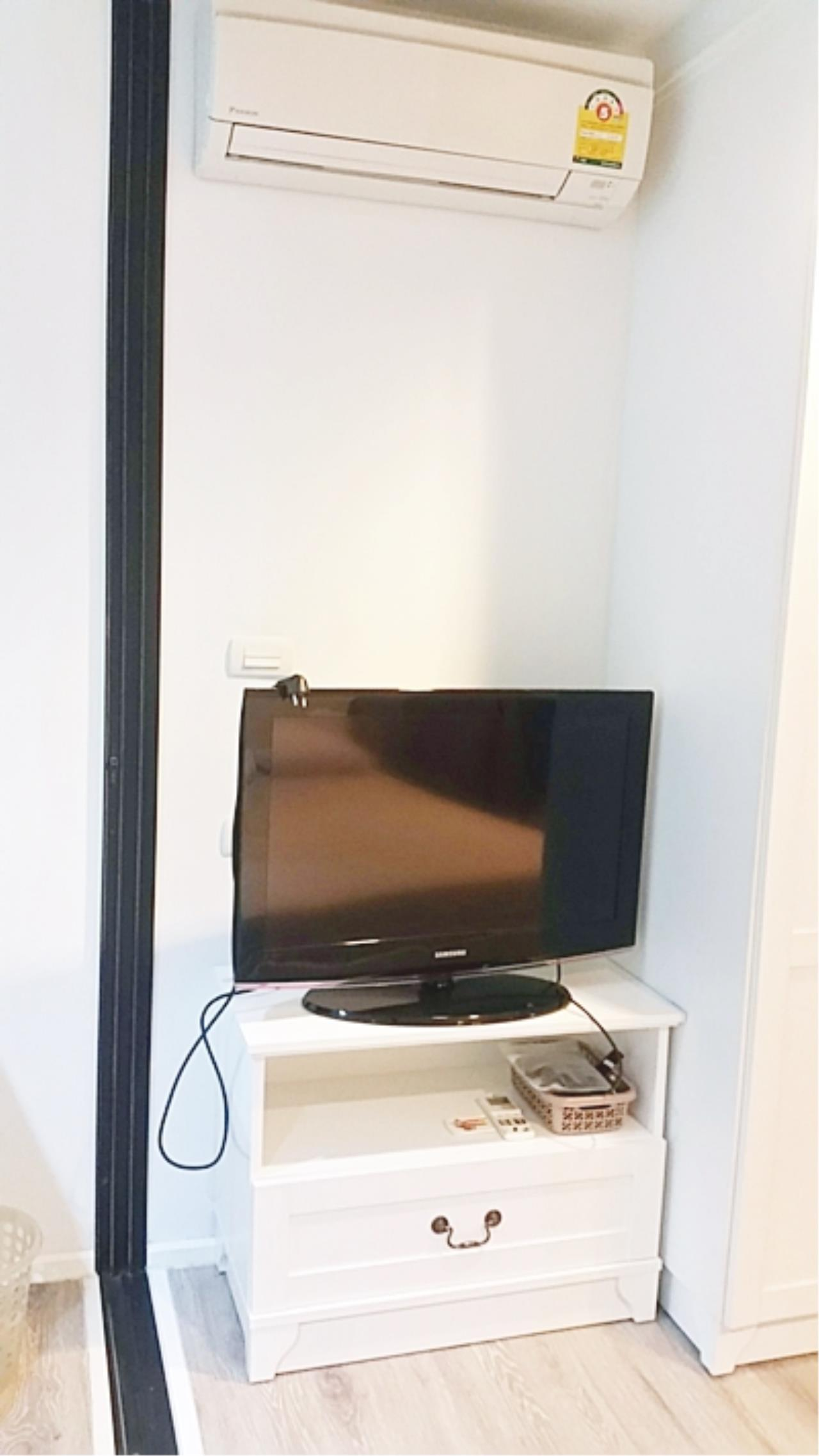 Estate Corner Agency (Samut Prakan) Agency's Sale with Tenant Condo Bearing from BTS only 600 meters. Fully furnished. 5