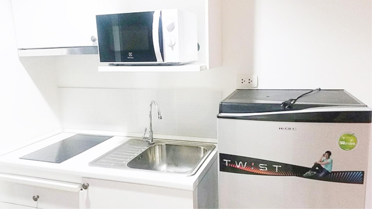Estate Corner Agency (Samut Prakan) Agency's Sale with Tenant Condo Bearing from BTS only 600 meters. Fully furnished. 10
