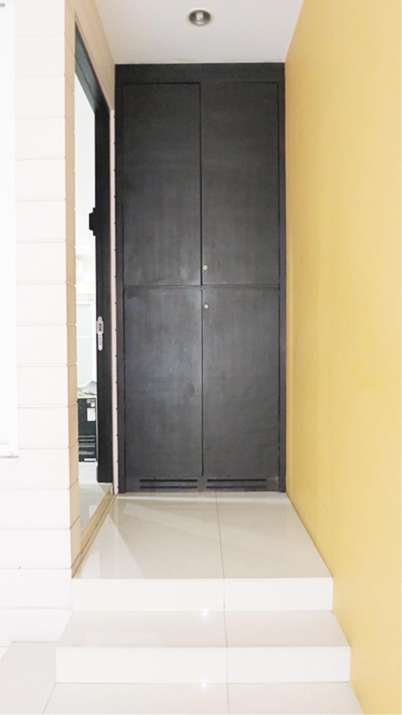 Estate Corner Agency (Samut Prakan) Agency's 3 storey townhouse for sale, Pattra Villa 8, Chokchai 4 – Ladphrao 71 near MRT. 3