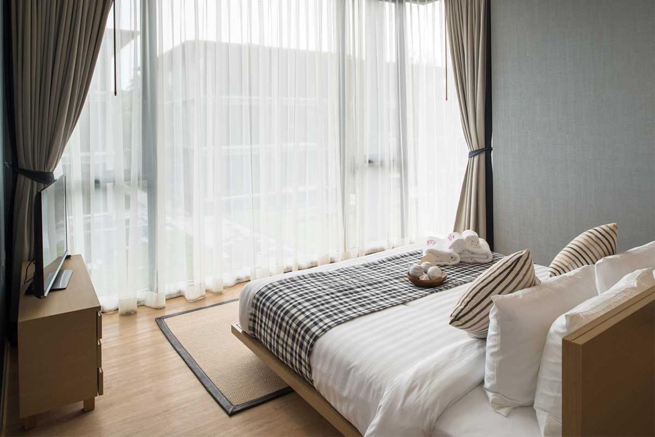 Ancha Property Agency's Luxury Beach Condo 2
