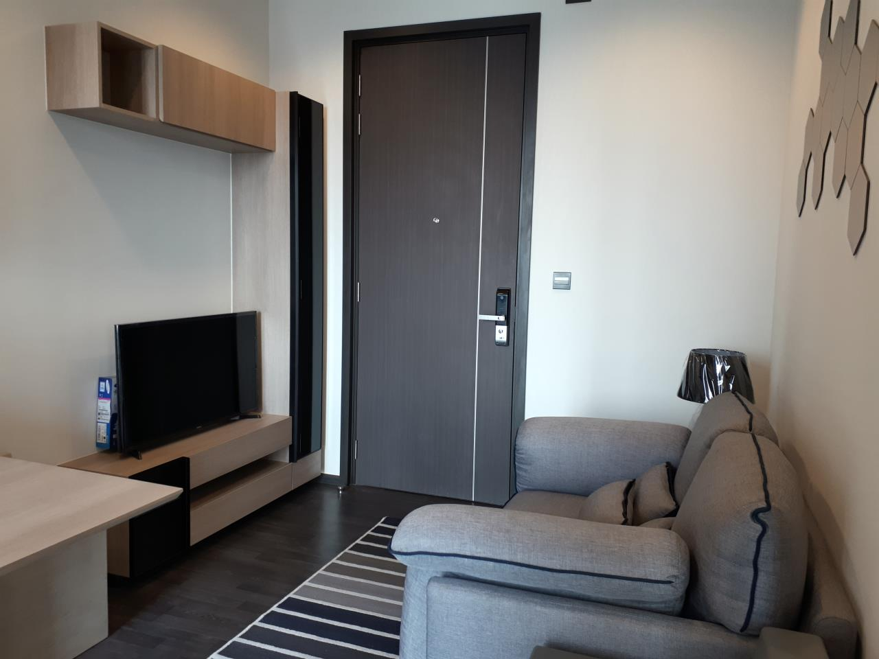 Agent - Supraras Agency's New Room !! The Line Asoke-Ratchada Condo 1 Bedroom 28 Sq.m. For Rent (High Floor & Nice View) 1