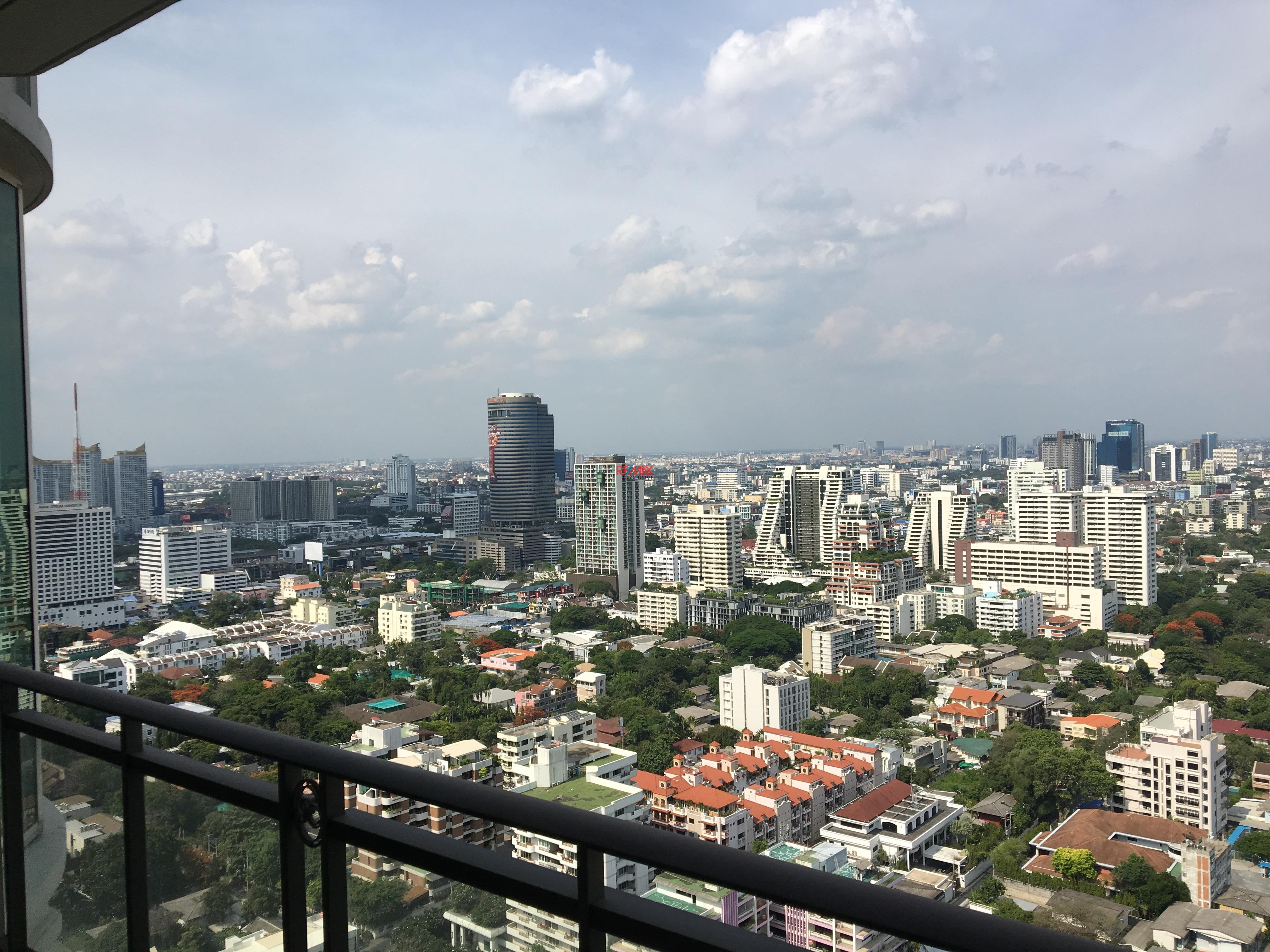 RE/MAX Exclusive Agency's Royce Residence 2bedroom 113sqm stunning view! 2