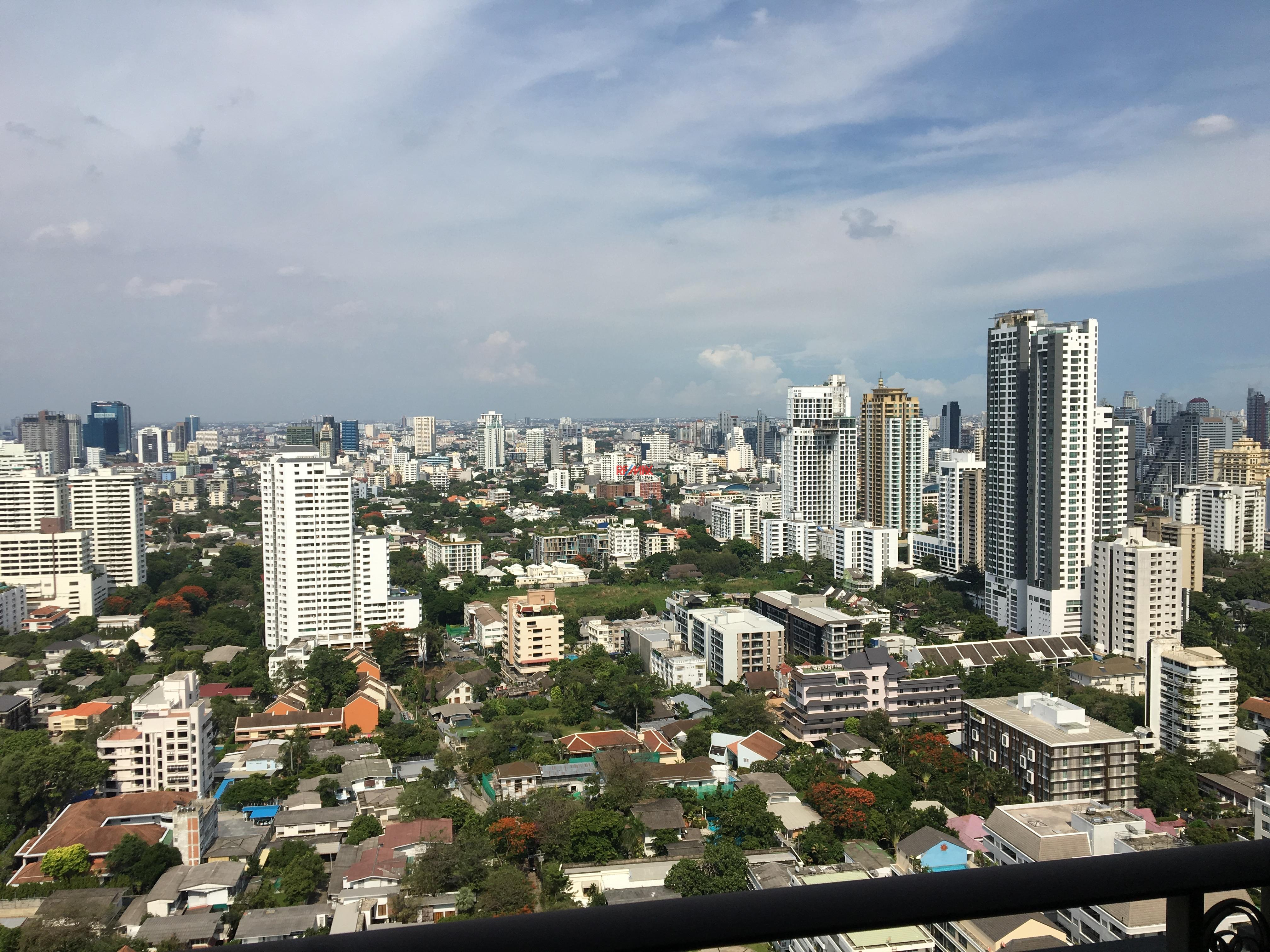 RE/MAX Exclusive Agency's Royce Residence 2bedroom 113sqm stunning view! 3
