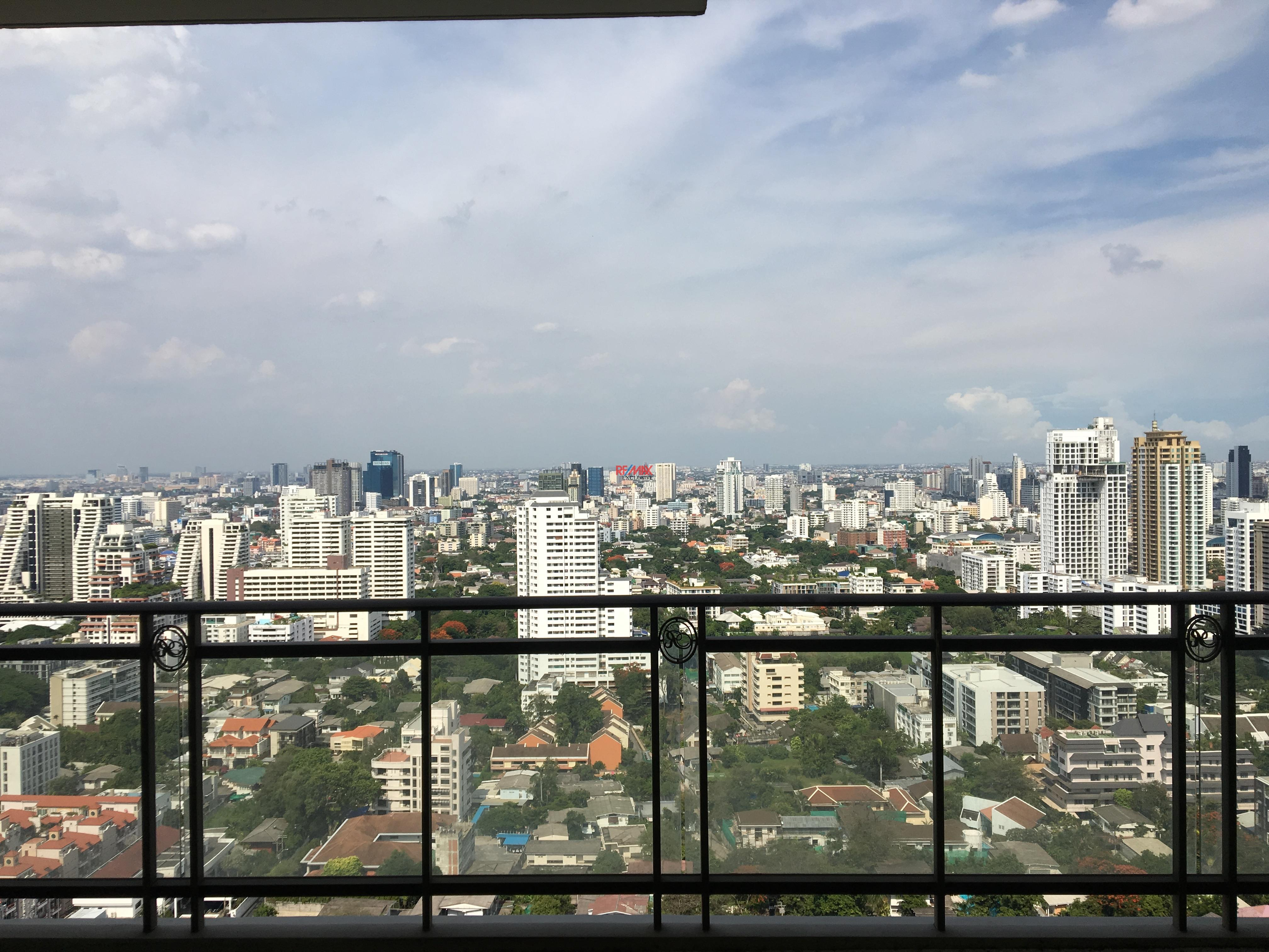 RE/MAX Exclusive Agency's Royce Residence 2bedroom 113sqm stunning view! 1