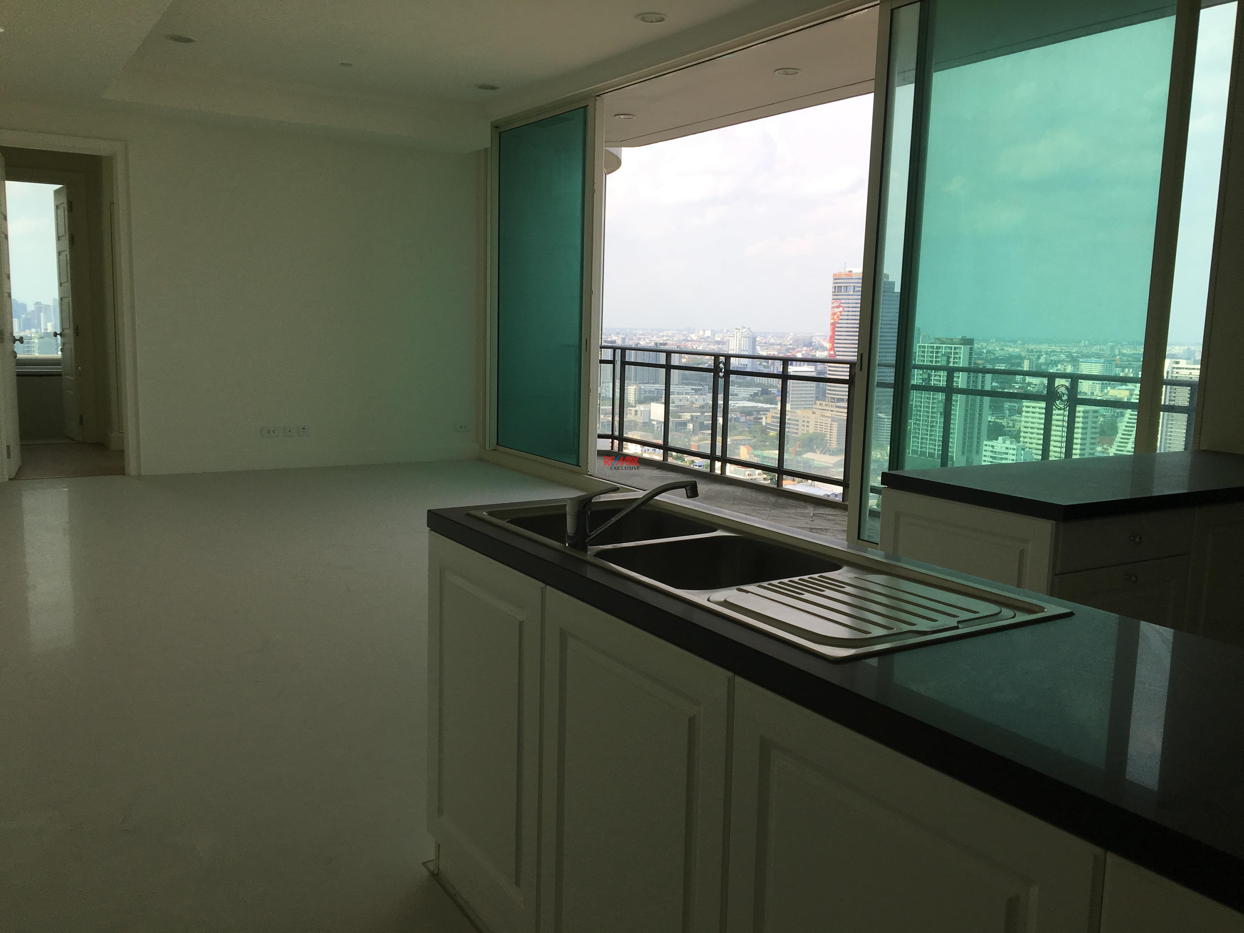 RE/MAX Exclusive Agency's Royce Residence 2bedroom 113sqm stunning view! 4
