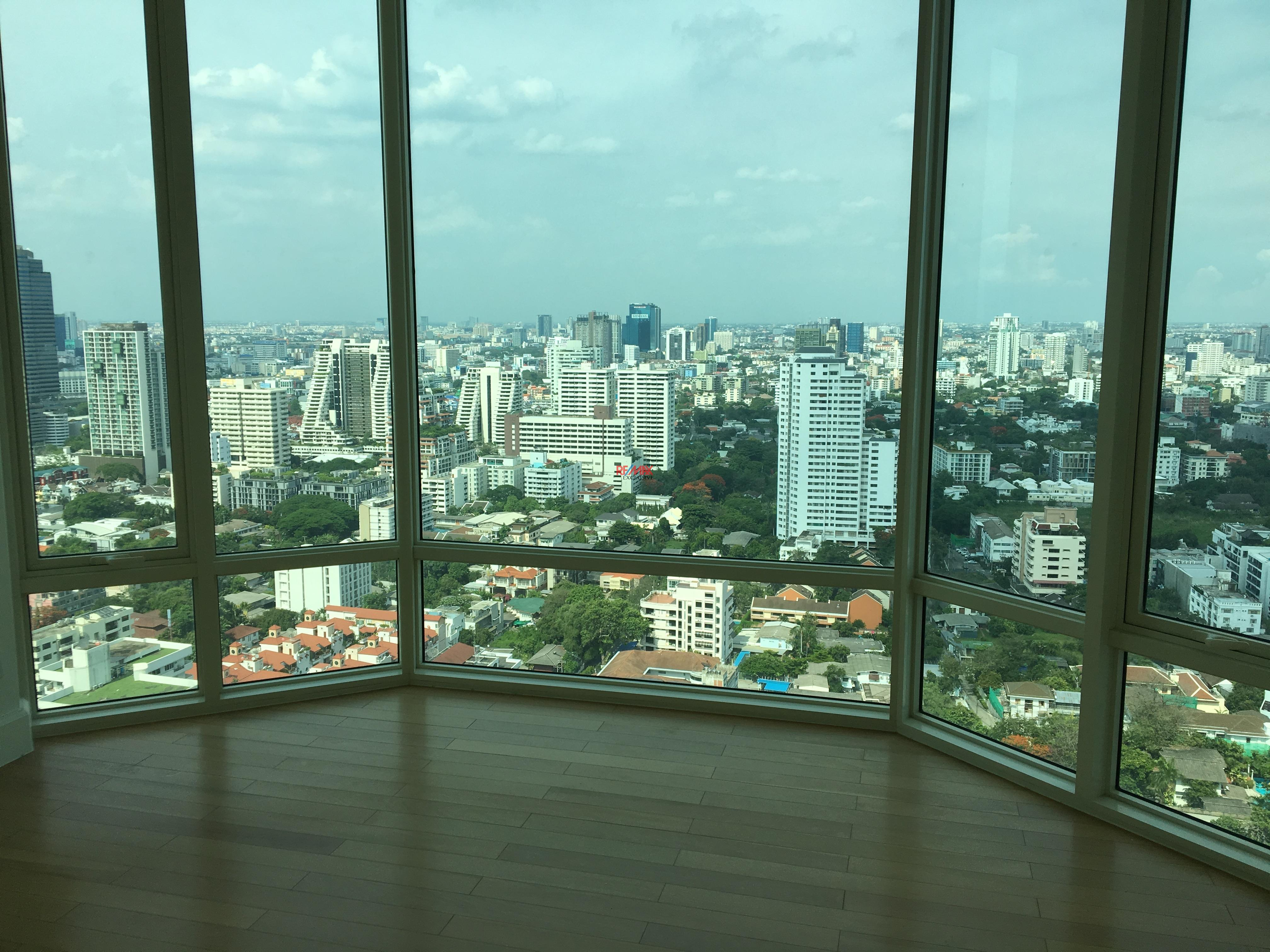 RE/MAX Exclusive Agency's Royce Residence 2bedroom 113sqm stunning view! 8