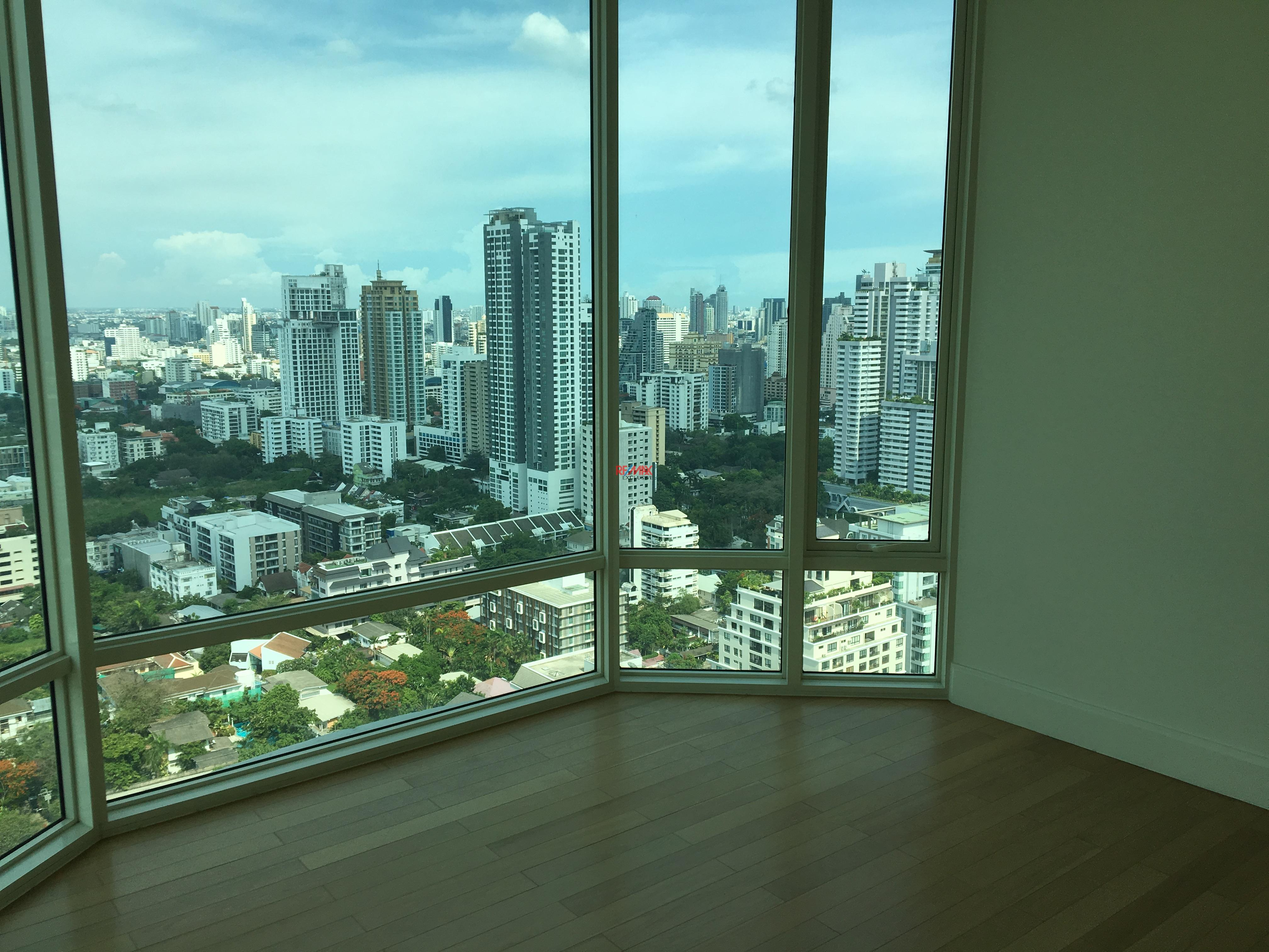 RE/MAX Exclusive Agency's Royce Residence 2bedroom 113sqm stunning view! 9