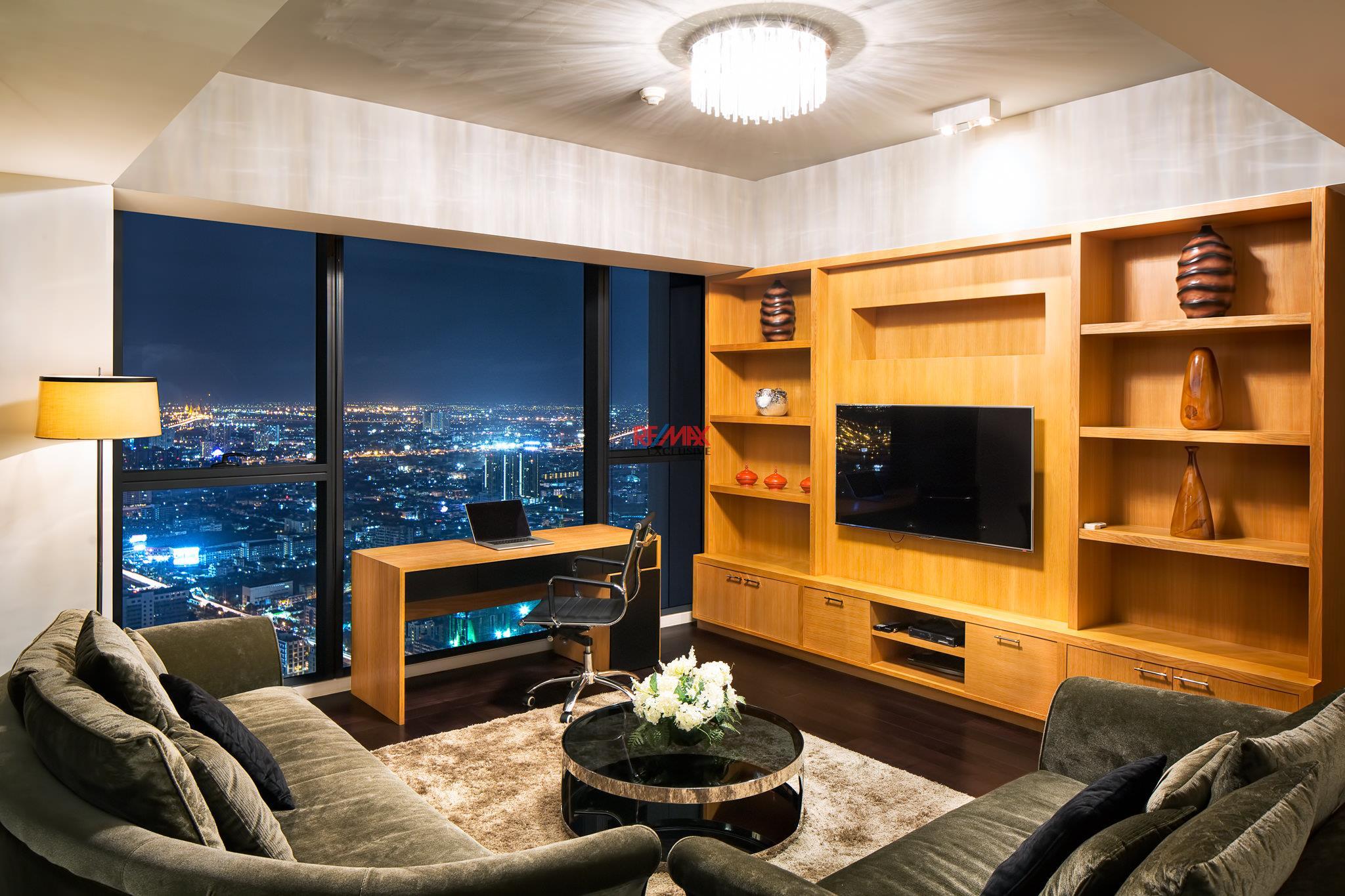 RE/MAX Exclusive Agency's The Met Three-Floor Skysuite Penthouse  5