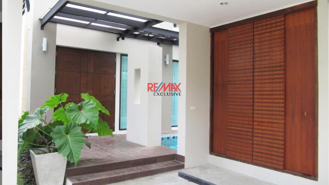 RE/MAX Exclusive Agency's Thonglor House with Private Pool in Secured Compound 5