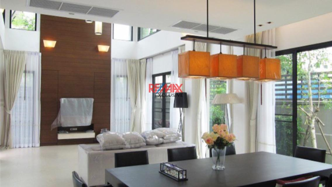 RE/MAX Exclusive Agency's Thonglor House with Private Pool in Secured Compound 6