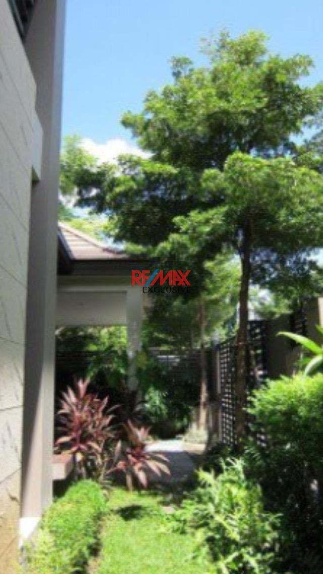 RE/MAX Exclusive Agency's Thonglor House with Private Pool in Secured Compound 7