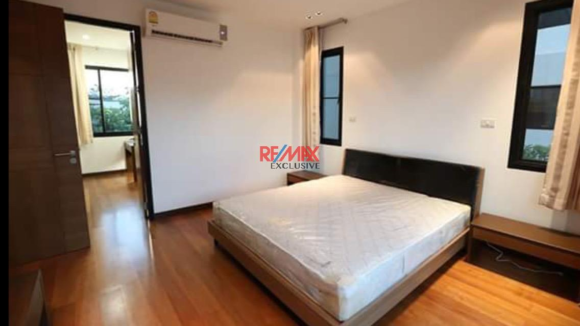 RE/MAX Exclusive Agency's Thonglor House with Private Pool in Secured Compound 9