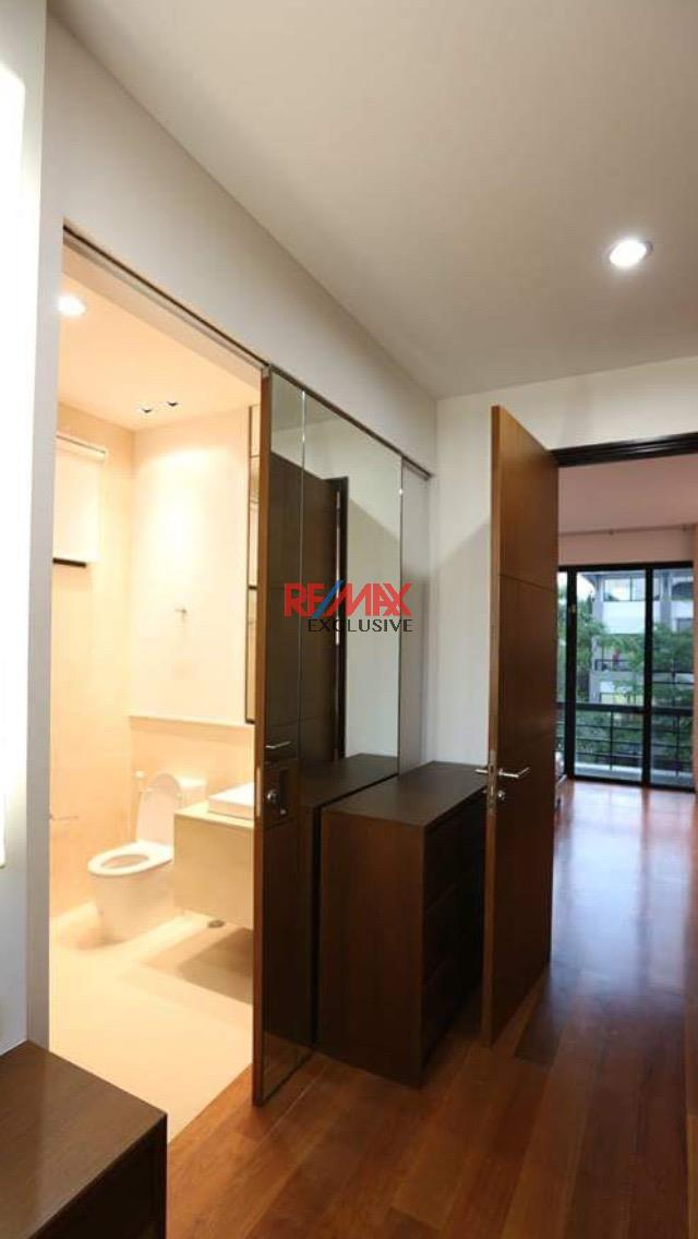 RE/MAX Exclusive Agency's Thonglor House with Private Pool in Secured Compound 11