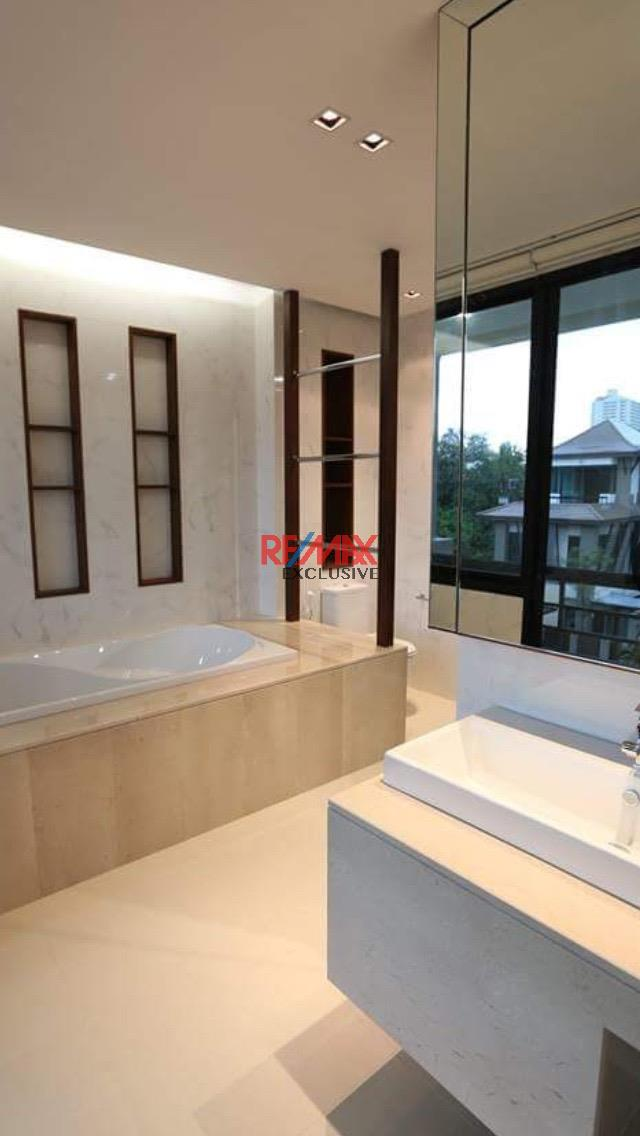 RE/MAX Exclusive Agency's Thonglor House with Private Pool in Secured Compound 14