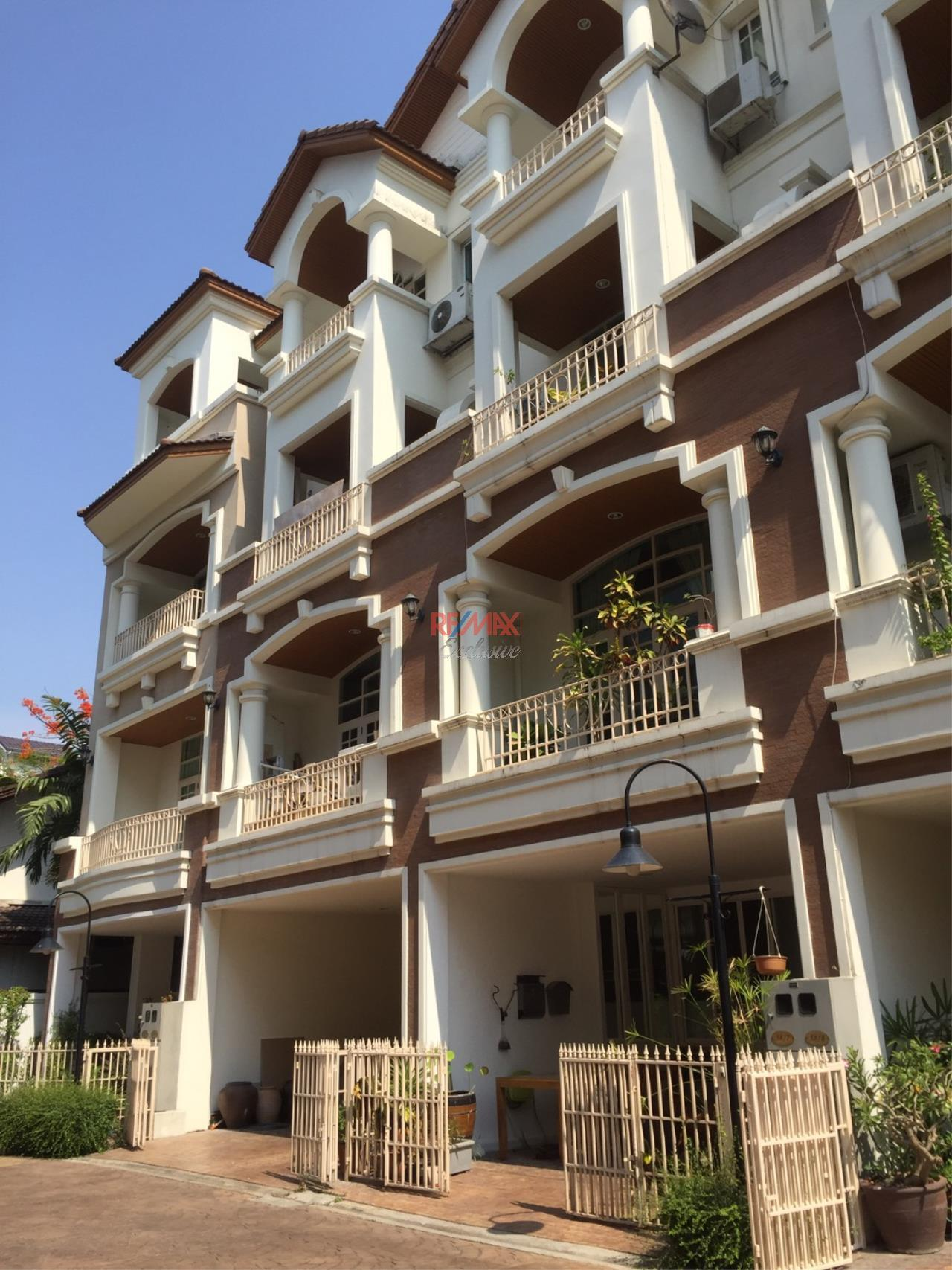 RE/MAX Exclusive Agency's Charming Townhouse Ekamai 4 Bedrooms Secured Compound 1
