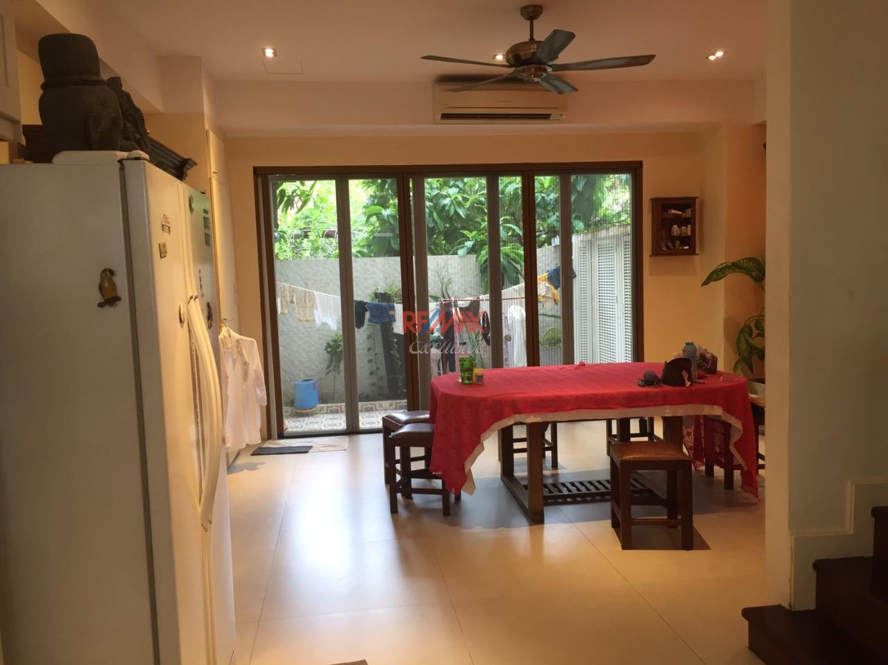 RE/MAX Exclusive Agency's Charming Townhouse Ekamai 4 Bedrooms Secured Compound 24