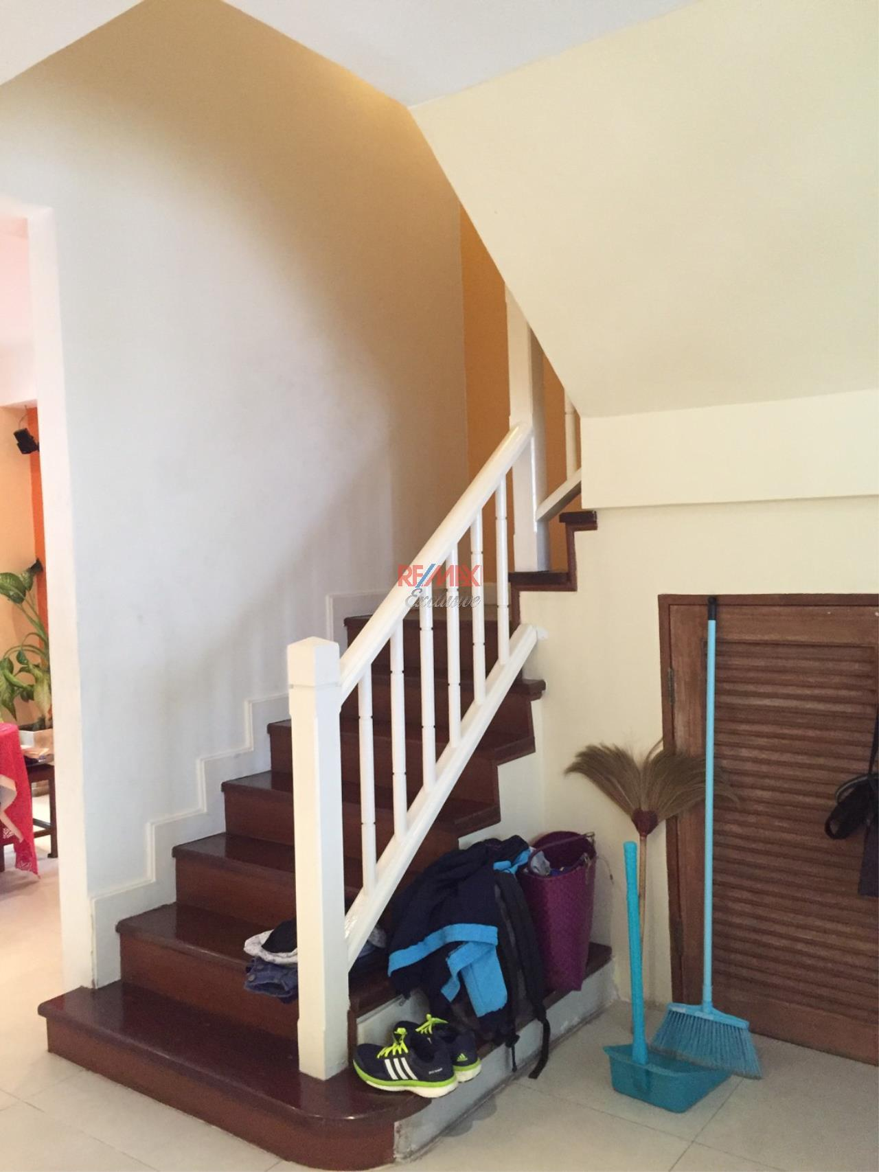RE/MAX Exclusive Agency's Charming Townhouse Ekamai 4 Bedrooms Secured Compound 25