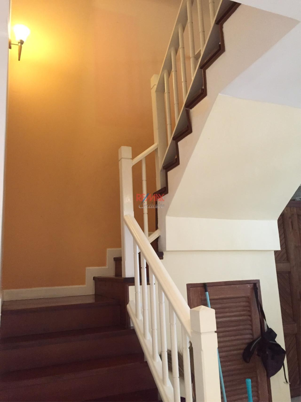 RE/MAX Exclusive Agency's Charming Townhouse Ekamai 4 Bedrooms Secured Compound 28