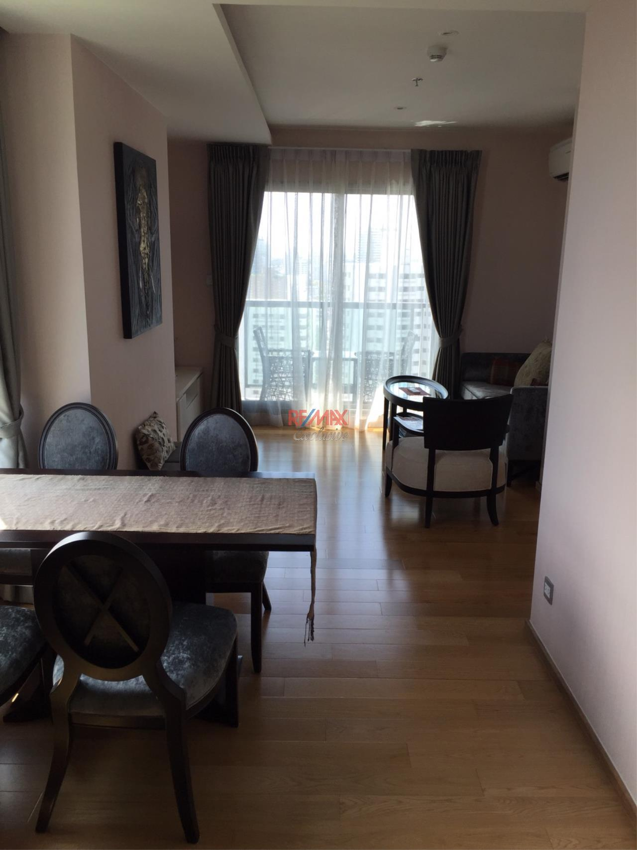 RE/MAX Exclusive Agency's H Sukhumvit 43, 2 Bedroom, 59 Sq.M., Fully-Furnished, High floor - Amazing View! 2