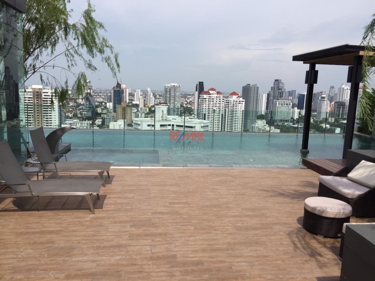 RE/MAX Exclusive Agency's H Sukhumvit 43, 2 Bedroom, 59 Sq.M., Fully-Furnished, High floor - Amazing View! 19