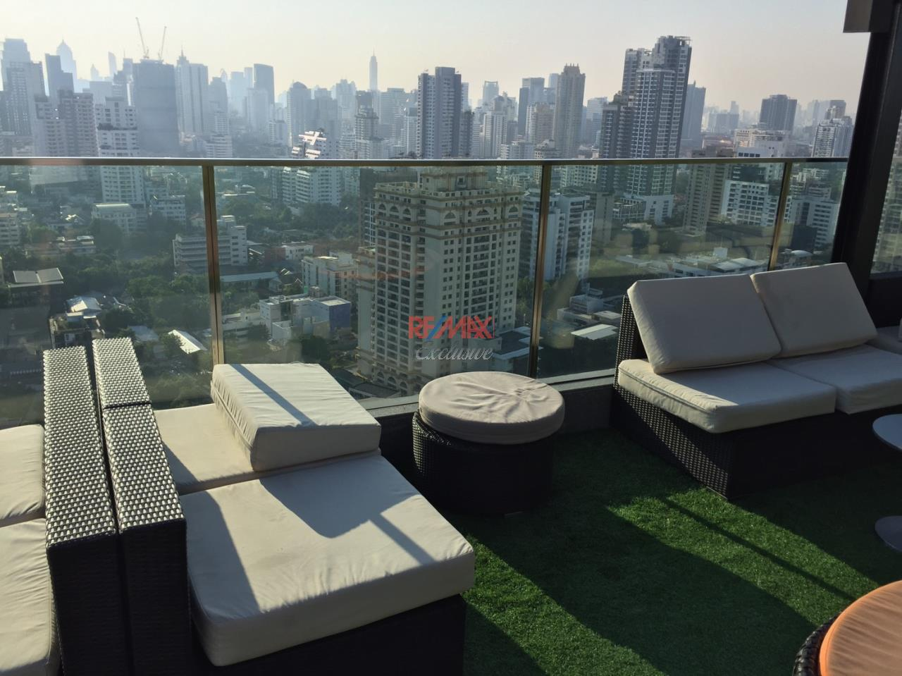 RE/MAX Exclusive Agency's H Sukhumvit 43, 2 Bedroom, 59 Sq.M., Fully-Furnished, High floor - Amazing View! 1