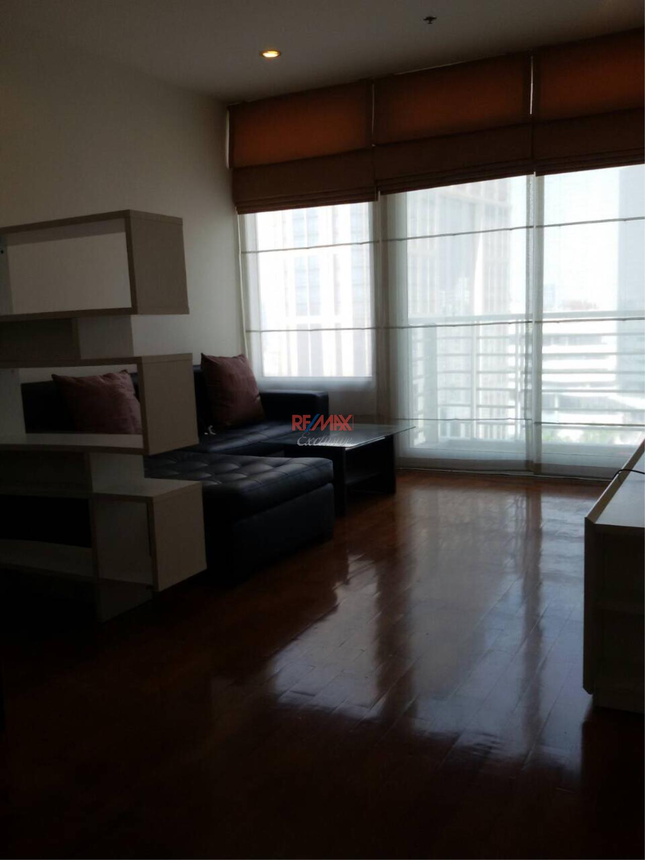 RE/MAX Exclusive Agency's SIRI RESIDENCE, Sukhumvit 24, 1 Bedroom, 60 Sqm. Fully-Furnished, HIGH FLOOR, CIty View, RENT and SALE !!! 18