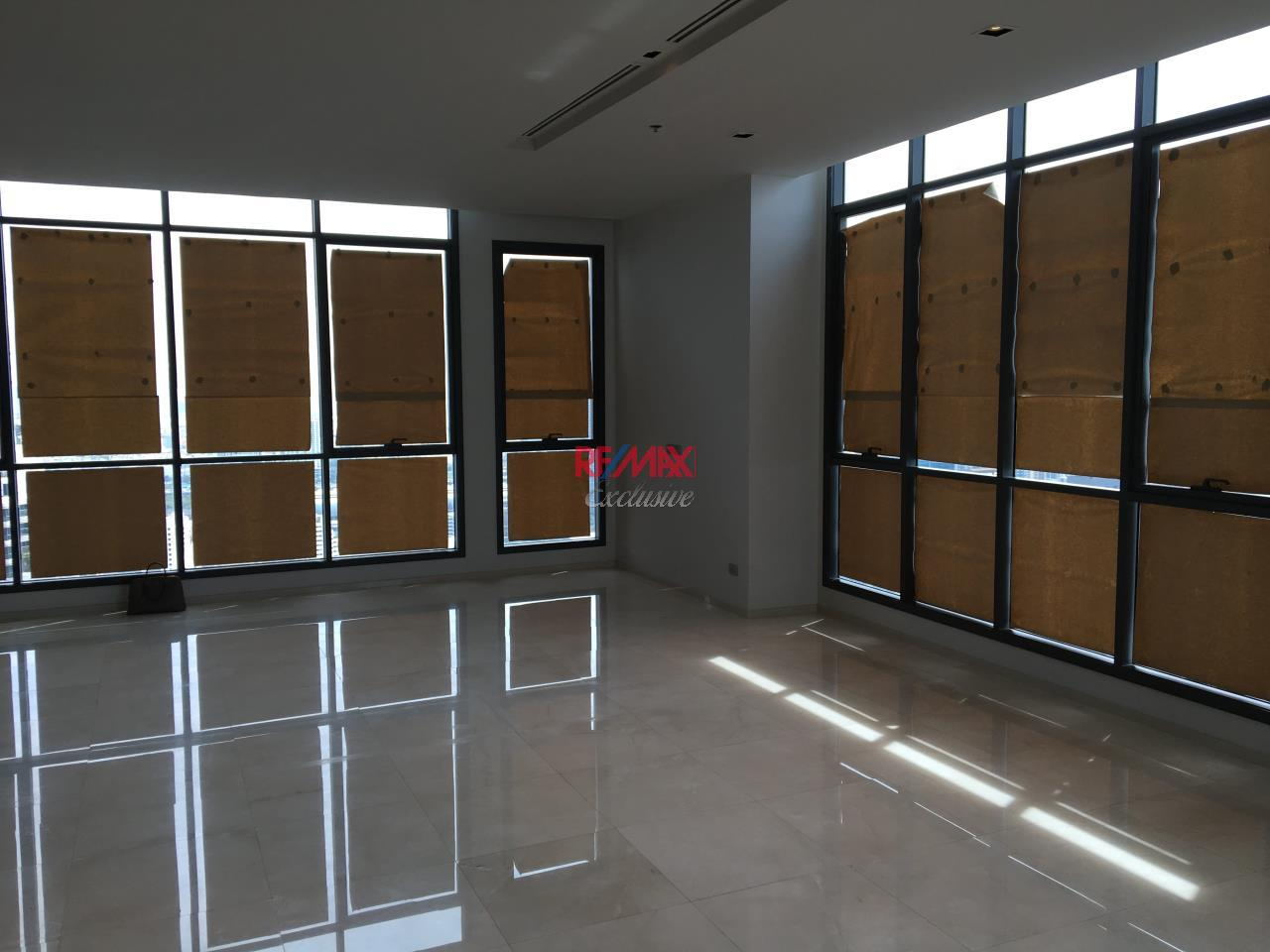 RE/MAX Exclusive Agency's Penthouse Hyde 13, Duplex 492SQM, Top Floor, 3 Bedroom 4